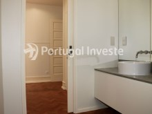 Master Suite wc, For sale excellent 3 bedrooms apartment, Lisbon Center - Portugal Investe%21/29