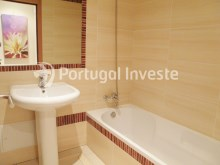 Bathroom, For sale 2 bedrooms apartment, garage and pool, Albufeira, Algarve - Portugal Investe%10/12