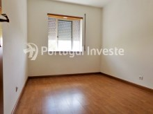 Bedroom 2, For sale 3 bedrooms apartment with parking, 5 minutes away from Lisbon - Portugal Investe%6/12
