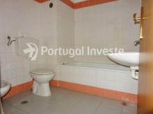 Bathroom 1, For sale 3 bedrooms apartment with parking, 5 minutes away from Lisbon - Portugal Investe%7/12