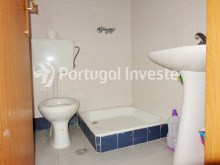 Bathroom 2, For sale 3 bedrooms apartment with parking, 5 minutes away from Lisbon - Portugal Investe%10/12