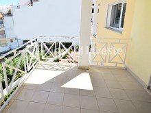 Balcony, For sale 2 bedrooms duplex, new, condo with pool, Albufeira, Algarve - Portugal Investe%3/10
