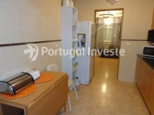 Kitchen, For sale 2 bedrooms villa, renewed, bakcyard with barbecue, Almada - Portugal Investe%5/16