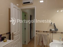 Bathroom, For sale 2 bedrooms villa, renewed, bakcyard with barbecue, Almada - Portugal Investe%8/16