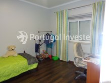 Bedroom 2, For sale 2 bedrooms villa, renewed, bakcyard with barbecue, Almada - Portugal Investe%13/16