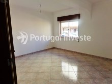 Living room, For sale excellent 3 bedrooms, 20 minutes away from Lisbon - Portugal Investe%2/15