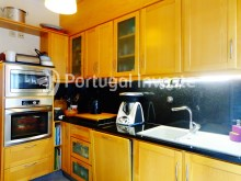Equipped kitchen, For sale 2 bedrooms apartment, with terrace, in Ajuda, Lisbon - Portugal Investe%3/14