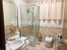 Salle de bain 1, For sale 3 bedrooms villa, garage, 10 minutes away from Lisbon - Portugal Investe%11/20