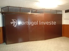For sale 23 sq/m garage in noble zone of Almada, Ramalha - Portugal Investe%4/6