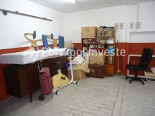 For sale 23 sq/m garage in noble zone of Almada, Ramalha - Portugal Investe%2/6