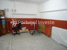 For sale 23 sq/m garage in noble zone of Almada, Ramalha - Portugal Investe%3/6
