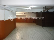For sale 23 sq/m garage in noble zone of Almada, Ramalha - Portugal Investe%5/6