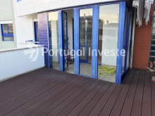 For sale excellent 3 + 1 bedrooms duplex, garage and two terraces, close to the beach, 10 minutes away from Lisbon - Portugal Investe%11/28