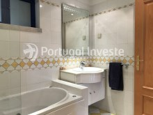 For sale excellent 3 + 1 bedrooms duplex, garage and two terraces, close to the beach, 10 minutes away from Lisbon - Portugal Investe%16/28