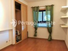 For sale excellent 3 + 1 bedrooms duplex, garage and two terraces, close to the beach, 10 minutes away from Lisbon - Portugal Investe%14/28