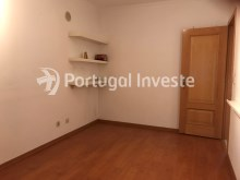 For sale excellent 3 + 1 bedrooms duplex, garage and two terraces, close to the beach, 10 minutes away from Lisbon - Portugal Investe%15/28