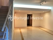 For sale excellent 3 + 1 bedrooms duplex, garage and two terraces, close to the beach, 10 minutes away from Lisbon - Portugal Investe%17/28