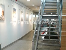 For sale excellent office, 817 sqm, 10 parking spaces, 5 minutes away from the Lisbon Airport - Portugal Investe%4/9