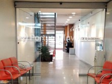 For sale excellent office, 817 sqm, 10 parking spaces, 5 minutes away from the Lisbon Airport - Portugal Investe%5/9