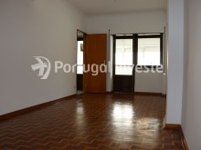 Living room, For sale 4 bedrooms apartment, view, 10 minutes from Lisbon, Almada - Portugal Investe%3/24