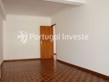 Living room, For sale 4 bedrooms apartment, view, 10 minutes from Lisbon, Almada - Portugal Investe%4/24