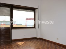 Bedroom 3, For sale 4 bedrooms apartment, view, 10 minutes from Lisbon, Almada - Portugal Investe%17/24