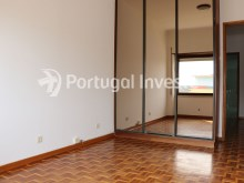 Bedroom 3, For sale 4 bedrooms apartment, view, 10 minutes from Lisbon, Almada - Portugal Investe%18/24