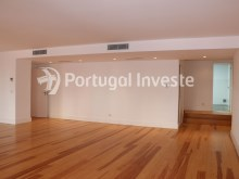 For sale divine 5 bedrooms duplex, new, 349 sq/m, historical building of Lisbon - Portugal Investe%4/36
