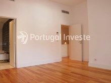 For sale divine 5 bedrooms duplex, new, 349 sq/m, historical building of Lisbon - Portugal Investe%10/36