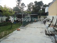 For sale plot of 442 sq/m with 1 bedroom villa, 15 minutes away from Lisbon - Portugal Investe%4/10