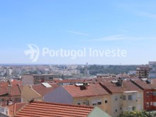 View, For sale 2 + 1 bedrooms apartment, river view, fully renewed, 15 minutes from Lisboa - Portugal Investe%10/18