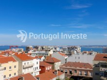 View, For sale 2 + 1 bedrooms apartment, river view, fully renewed, 15 minutes from Lisboa - Portugal Investe%1/18