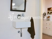 Bathroom 1, For sale 2 + 1 bedrooms apartment, river view, fully renewed, 15 minutes from Lisboa - Portugal Investe%14/18