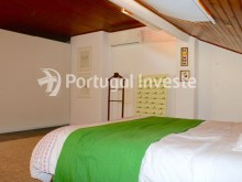 Bedroom, For sale 2 + 1 bedrooms apartment, river view, fully renewed, 15 minutes from Lisboa - Portugal Investe%12/18