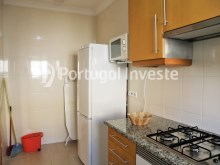 Kitchen, For sale 2 bedrooms apartment, condo with pool, 5 minutes from the beach, Albufeira, Algarve - Portugal Investe%6/14