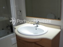 Wc 1. For sale 2 bedrooms apartment, condo with pool, 5 minutes from the beach, Albufeira, Algarve - Portugal Investe%13/14