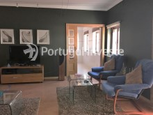 Living room, For sale 3 bedrooms apartment, good areas, condo 10 minutes away from Lisbon - Portugal Investe%7/21