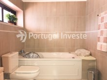 Bathroom 2, For sale 3 bedrooms apartment, good areas, condo 10 minutes away from Lisbon - Portugal Investe%20/21