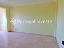2 bedrooms apartment, 5 minutes from the beach, excellent investment, Costa da Caparica, Lisbon - Portugal Investe%2/19