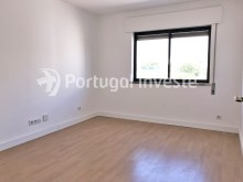 Bedroom 1, For sale 2 bedrooms apartment, 20 minutes away from Lisbon - Portugal Investe%8/15
