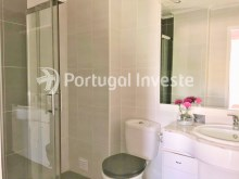 Bathroom, For sale 2 bedrooms apartment, 20 minutes away from Lisbon - Portugal Investe%13/15