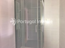 Bathroom, For sale 2 bedrooms apartment, 20 minutes away from Lisbon - Portugal Investe%14/15