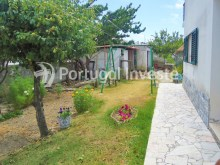 For sale Villa, with commercial space, 15 minutes away from Lisbon, Caparica - Portugal Investe%10/22