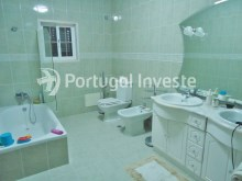For sale Villa, with commercial space, 15 minutes away from Lisbon, Caparica - Portugal Investe%21/22