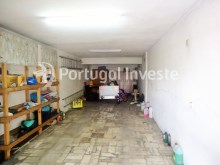 For sale Villa, with commercial space, 15 minutes away from Lisbon, Caparica - Portugal Investe%21/21