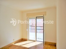 For sale 3 bedrooms apartment, with improvements, 10 minutes away from Lisbon, Almada downtown - Portugal Investe%5/13