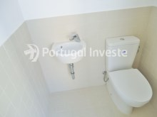 For sale 3 bedrooms apartment, with improvements, 10 minutes away from Lisbon, Almada downtown - Portugal Investe%4/13