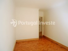 For sale 3 bedrooms apartment, with improvements, 10 minutes away from Lisbon, Almada downtown - Portugal Investe%7/13