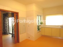 Kitchen, For sale 4 bedrooms apartment, parking and storage, in noble condo, 10 minutes away from Lisbon - Portugal Investe%8/33