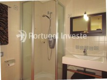 Wc suite, For sale 4 bedrooms apartment, parking and storage, in noble condo, 10 minutes away from Lisbon - Portugal Investe%14/33